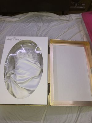 Wedding Dress sz.8 (NEVER WORN) for Sale in Las Vegas, NV