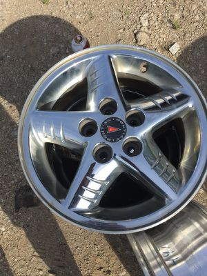 3.chrome rims like brand new 16/7 for Sale in Columbus, OH