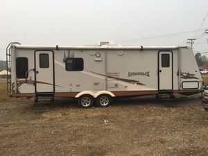 2006 Thor 30 foot travel trailer Buckley Washington for Sale in Buckley, WA