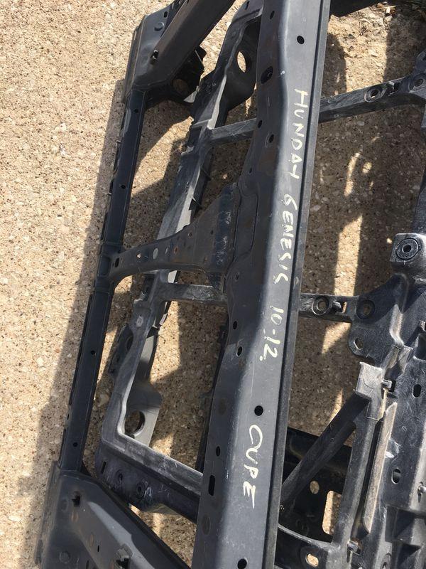 Part Hyundai Genesis core radiator support 10-13 missing one pice (bracket left side is broken? Part año. 64101 2m000
