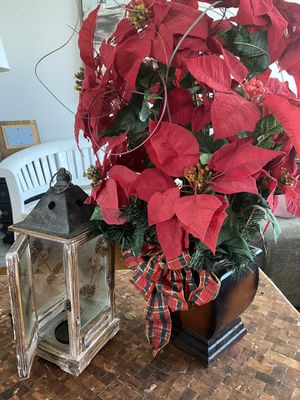 Christmas 🎄 poinsettias arrangement and wood candle holder for Sale in Chula Vista, CA