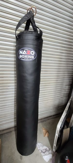 Punching bag muay thai mma boxing heavy bag for Sale in Los Angeles, CA