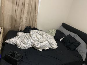 Queen Bed for Sale in Roselle, NJ