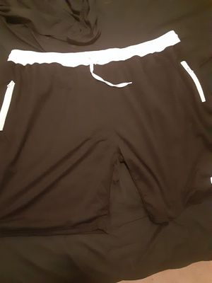 Black/white Nike shorts XXXL for Sale in Sanger, CA