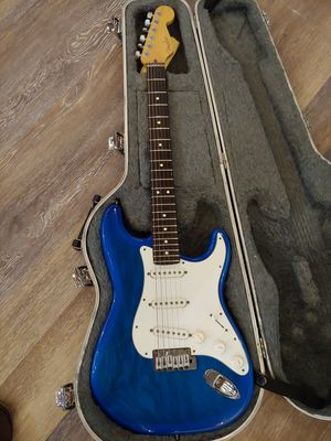 Fender strato plus 1998 with Lindy fralin for Sale in Seattle, WA