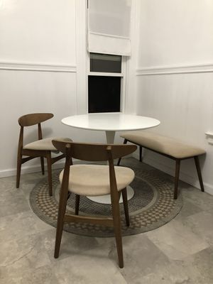 White circular dining table (free chairs, bench and rug - optional) for Sale in San Francisco, CA