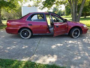 Honda acord año 2000.. 150.000 millas for Sale in Manassas, VA
