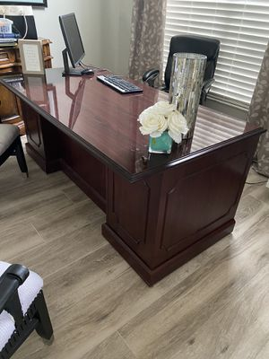 Desk for Sale in Kissimmee, FL