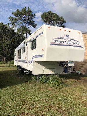 1999 36' 5th Wheel Camper for Sale in St. Cloud, FL