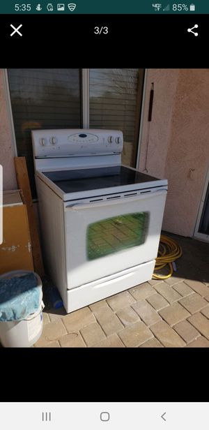 Maytag white stove. for Sale in Phoenix, AZ