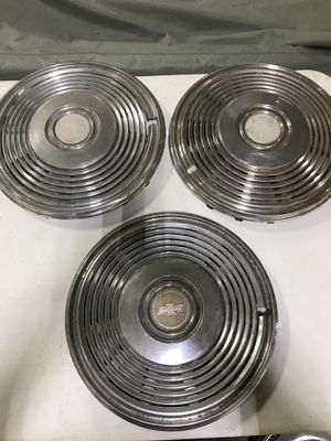 1972 CHEVROLET IMPALA CAPRICE HUBCAPS 72 DONK WHEEL COVERS for Sale in Hialeah, FL