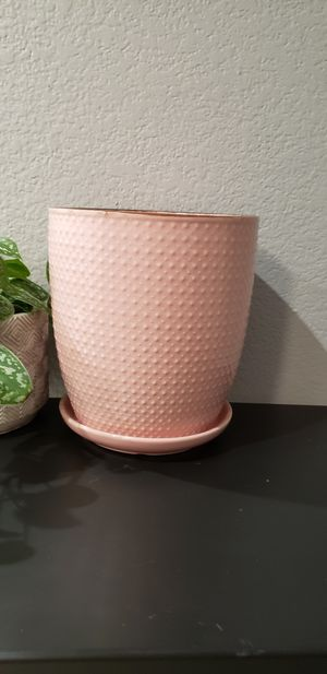 """Pink blush modern ceramic indoor outdoor plant pot with semi-self-watering drain hole. 7.75"""" tall. for Sale in Ontario, CA"""