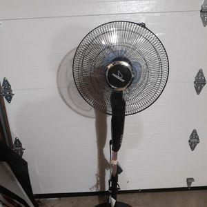 Pedestal Fan for Sale in Wolcott, CT
