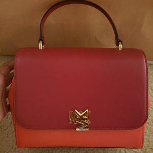 Michael Kors Purse for Sale in MD CITY, MD