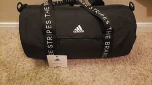 Addidas duffle bag for Sale in San Antonio, TX