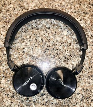 Headphones with NFC Bluetooth Noise Canceling for Sale in Raleigh, NC