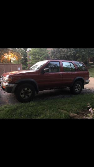 1998 Nissan Pathfinder for Sale in St. Louis, MO