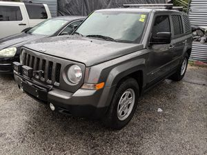 2013 Jeep Patriot 5 speed manual for Sale in Tampa, FL