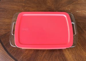 Pyrex 9x13 Baking Dish with Lid for Sale in Clermont, FL