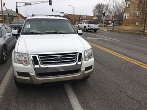 white 06 Ford Explorer for Sale in St. Louis, MO