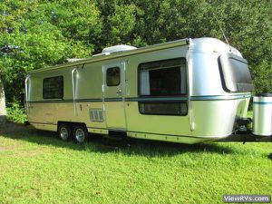 1987 Avion 32' travel trailer. Super nice for Sale in Puyallup, WA