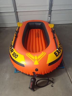 Intex Explore 300 Inflatable Three Person Raft Boat. for Sale in Lynwood, CA