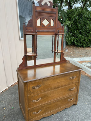Gorgeous Vintage Three Drawer Vanity Dresser - Delivery Available for Sale in Tacoma, WA