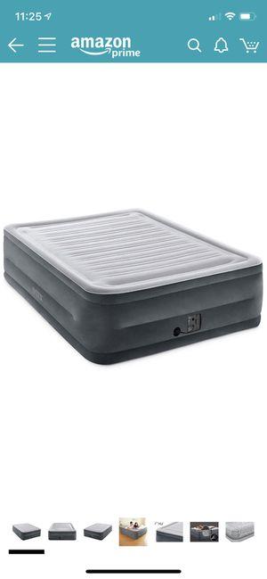 Intex air mattress with internal pump for Sale in Binghamton, NY