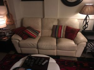 White Leather Reclining sofa for Sale in Hyattsville, MD