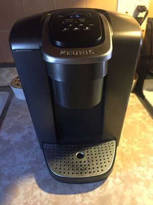Keurig one cup coffee maker for Sale in Lombard, IL
