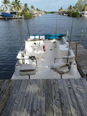 TYPHOON PONTOON BOAT 22.1' - Good condition for Sale in Miami, FL