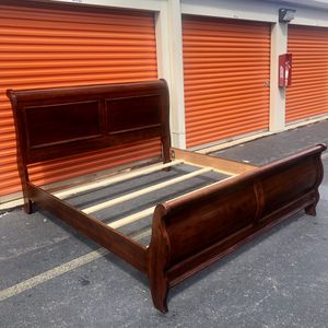 King Size Bed Frame for Sale in Lake Ridge, VA