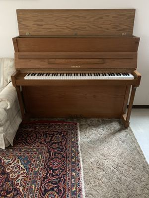 Piano excellent condition for Sale in Bellevue, WA