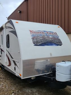 2013 Heartland 28BRS for Sale in Livonia,  MI