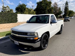 2001 Chevy Silverado Single Cab Short Bed 🔥🔥 for Sale in Anaheim, CA
