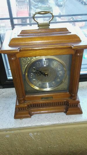 Authentic Howard Miller Antique clock for Sale in Brooklyn, NY