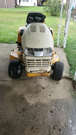 2014 Cub Cadet Series 2000 Riding Lawn Mower for Sale in Obetz, OH