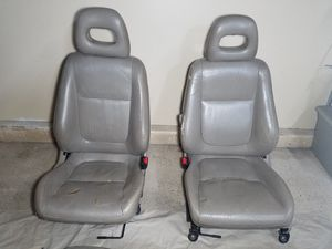INTEGRA LEATHER SEATS for Sale in Las Vegas, NV