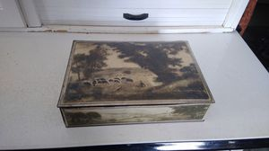 Antique metal biscuit tin for Sale in Bonaparte, IA