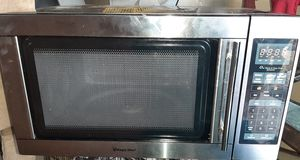 Magic chef microwave 120v for Sale in Orange, TX