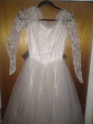 Wedding dress size small for Sale in Columbus, OH