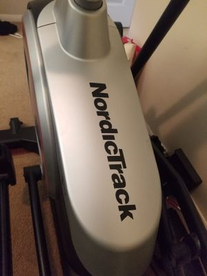 Like new - Elliptical from NordicTrack - Great condition for Sale in Riverside, CA