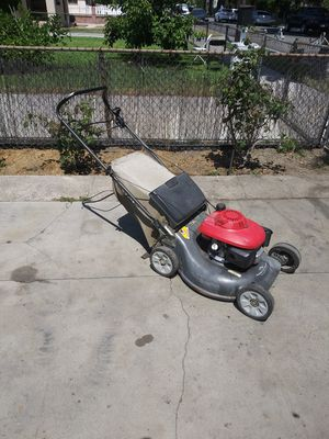 Honda lawn mower for Sale in Bell Gardens, CA