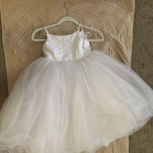Flower Girl White Dress Age 4 for Sale in Henderson, NV