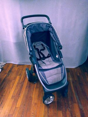 Chicco stroller for Sale in The Bronx, NY