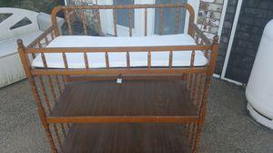 baby chainging bed for Sale in Harrisonburg, VA