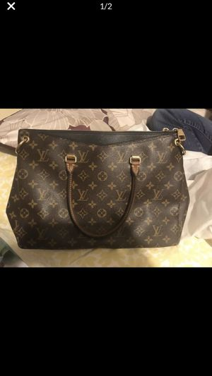 Louis Vuitton bag for Sale in San Leandro, CA