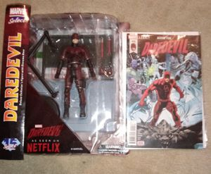Marvel Select Netflix Daredevil Action Figure with Rare Comic for Sale in Lee's Summit, MO