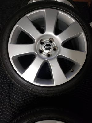 """22"""" range rover rims and tires only not car for Sale in The Bronx, NY"""
