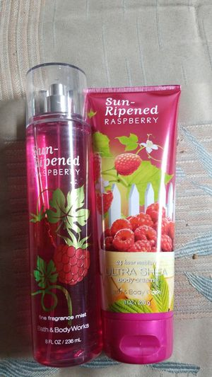 BATH AND BODY WORKS-- SUN RIPENED RASPBERRY $18.00 for Sale in Stanton, CA